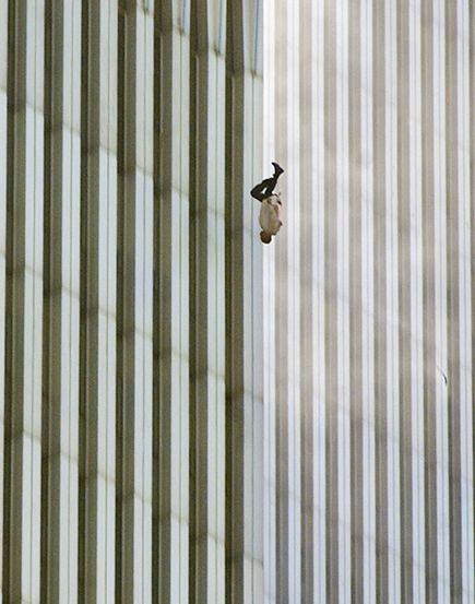 september-9-11-attacks-anniversary-ground-zero-world-trade-center-pentagon-flight-93-falling-man_39992_600x450.jpg